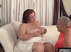 Busty BBW Lassie Lynn Blows with an increment of Tit Fucks a Guy with an increment of Now Screws Him