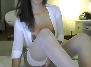 Cam skirt doing dirty things - cam2camgirls.net