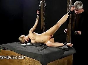 Condensed kermis beauties pussy spanked