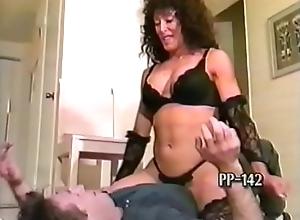 Robust Lap Dancer Crushes His Addict