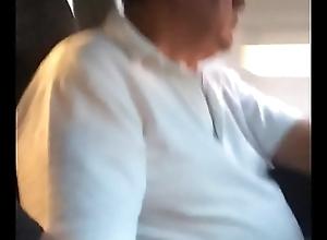 Bulto de taxista maduro