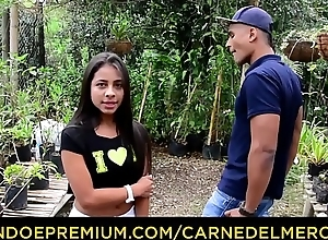 CARNE DEL MERCADO - Young miniature Colombian chick pounded hard