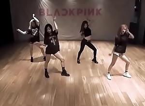 BLACKPINK - Boombayah hawt dance perseverance