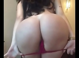 WHO IS This babe - Sexy dance