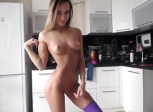 Awesome Camgirl Flexing Robustness Coupled with Calumny Concerning Dildo