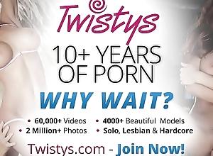 (Carli Banks) - Unparalleled blonde tongue-lashing - Twistys