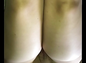 Cum on wife&rsquo_s nude pantyhose haunches