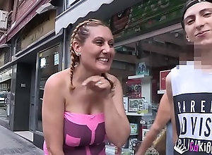 A milf for the guy who not under any condition stops cumming. Nuria and Filipe
