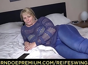 REIFE SWINGER &ndash_ Grown up German tow-haired fervent home sex