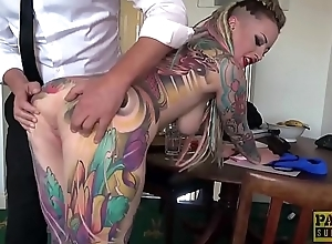 Wholly tattooed subslut Piggy Brashness slammed by guestimated dom