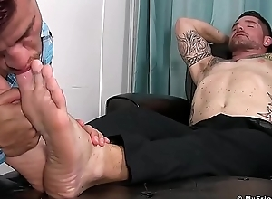 Freaky womanish feasts heavens inked design juicy feet and toes