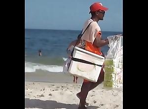 Mineiro n&atilde_o pode ir a praia