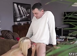 Cur' stroking together with guy fucks heavy girl Sluggish dude unhooked however his