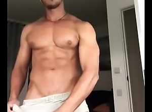 Hot muscle guy big cock insusceptible to webcam